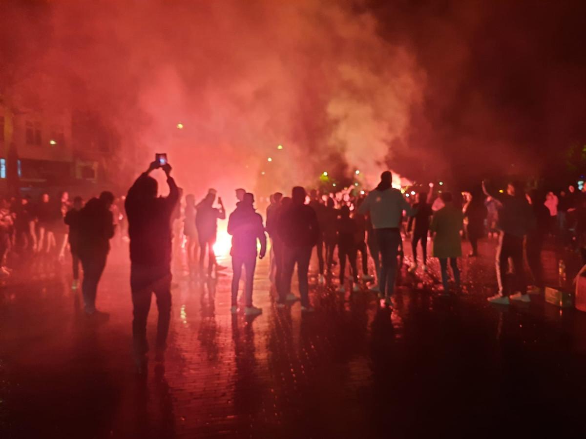 Feest op de Brink in Deventer na promotie van Go Ahead Eagles.
