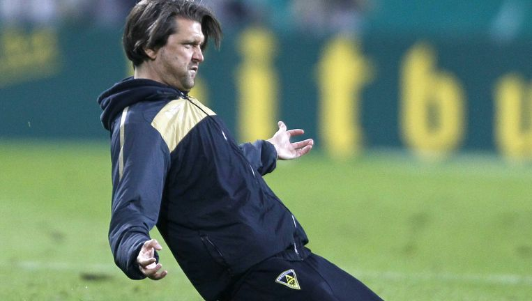 Toch wel een verrassing: een Duitse trainer, Peter Hyballa, staat het komend seizoen op de loonlijst bij NEC Beeld reuters