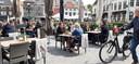 De Grote Markt in Bergen op Zoom stroomt al aardig vol om 13.20 uur.