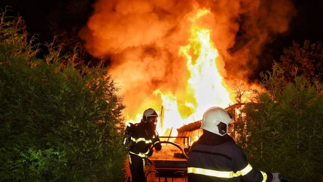 Wéér een caravan uitgebrand op camping Streekpark Klein Oisterwijk