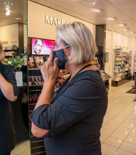 De Veluwe loopt nog niet warm voor mondkapjes: 'Zolang het niet verplicht is, doen we het niet'
