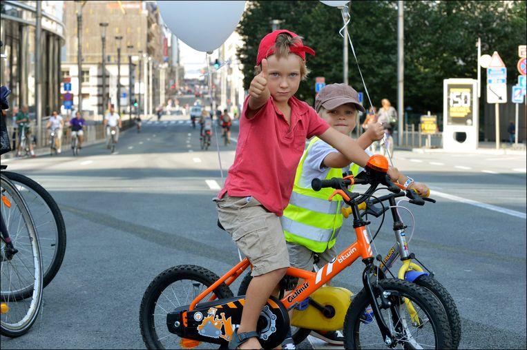 Autoloze zondag in Brussel: activiteiten stimuleren het fietsgebruik. Beeld PHOTO_NEWS