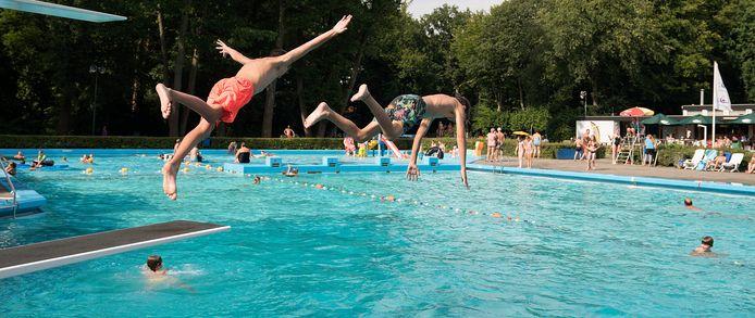 Zwembad Zegenwerp een paar seizoenen terug. Nu mogen er zes zwemmers per baan komen zwemmen door corona.