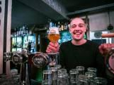 Van glazenhaler naar kroegbaas: Martijn neemt Café Bakker over