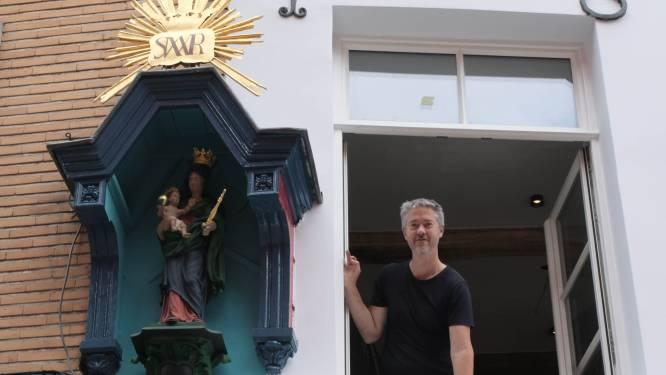 """Gerestaureerd kapelletje kleurt Adegemstraat: """"Kon het niet zo laten"""""""