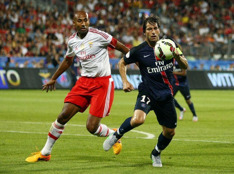 Maxwell met PSG in actie tegen Benfica.