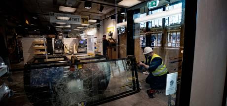Relschopper (17) moet bijna 10.000 euro betalen voor plunderen Jumbo in Eindhoven