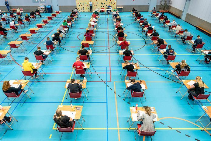 De eindexamens zijn van start gegaan, ook op het Krimpenerwaard College in Krimpen aan den IJssel.