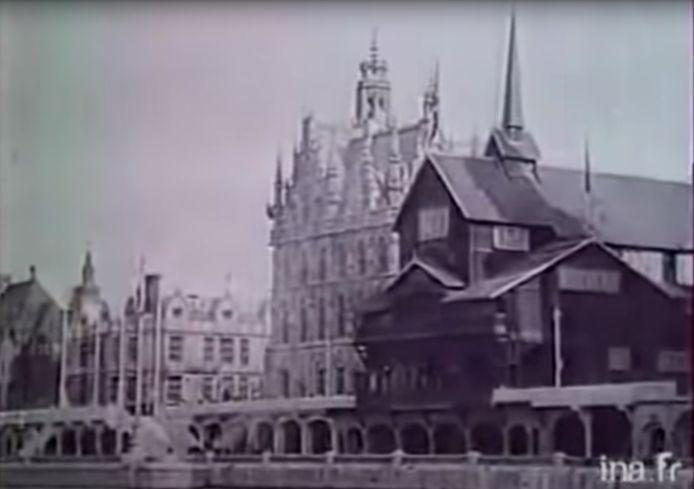 In de film is een replica van het Oudenaardse stadhuis te zien, die in het jaar 1900 was gebouwd langs de Seine in Parijs.
