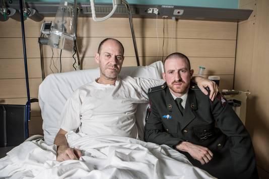 Walter Benjamin ontmoet zijn derde redder in het Universitair Ziekenhuis van Jette: militair Nathan.