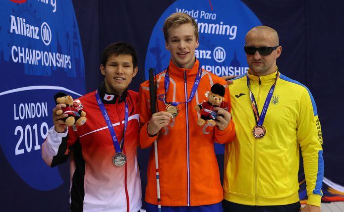 Rogier won op de 200 meter wisselslag en bleek ook op de 400 meter de allersnelste.
