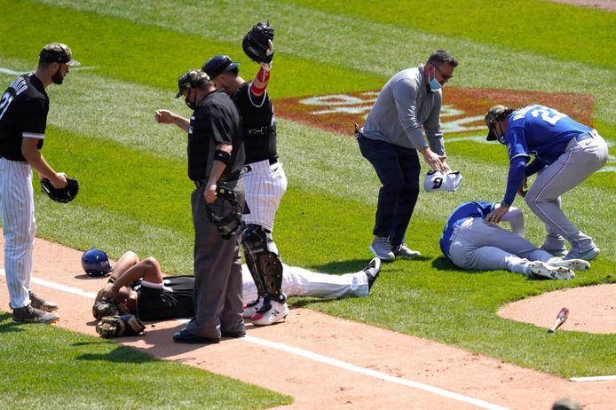 Effrayante collision entre deux joueurs de baseball.