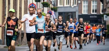 Warme weer maakt Hanzeloop in Zutphen pittig