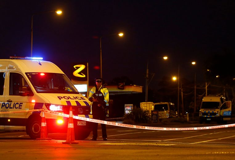 Een ambulance bij de Linwood-moskee. Beeld REUTERS