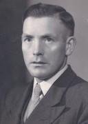 Hein Schut werd op 4 oktober 1944 vanwege zijn verzetsdaden door de Duitsers gearresteerd. Na een bruut verhoor op het hoofdkwartier van de Luftwaffe in Oisterwijk werd hij op 7 oktober bij het Groot Aderven gefusilleerd.
