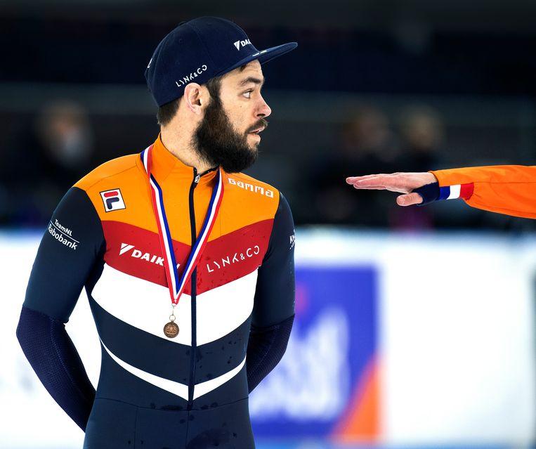 Sjinkie Knegt met de bronzen medaille gewonnen op de NK in januari.   Beeld Klaas Jan van der Weij