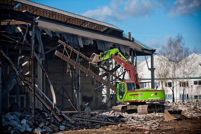 Een flink deel van de vroegere fabriekshallen op het Dikkersterrein werden een par jaar geleden al gesloopt.