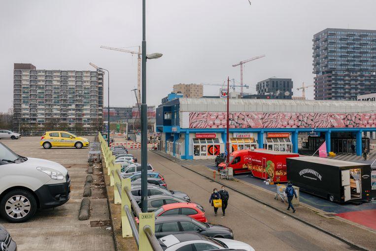 Het Buikslotermeerplein in Amsterdam Noord. Beeld Marc Driessen