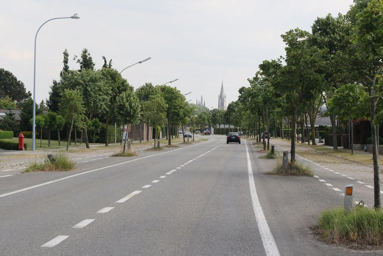 Het stukje 'weesweg' van de Diksmuidseweg.