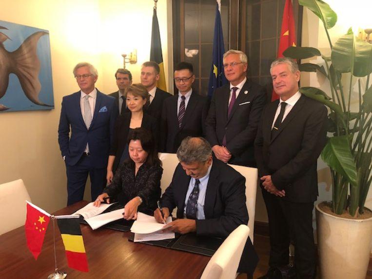 Vicepremier Kris Peeters was aanwezig bij de ondertekening van het samenwerkingsakkoord in Shanghai