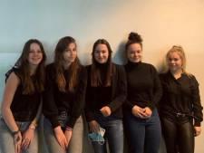 Jonge ondernemers van Durendael scoren met armbandje en lampjesfles