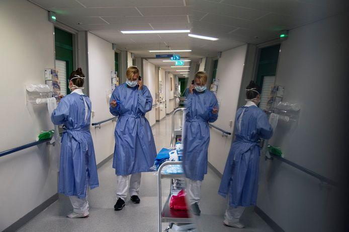 Ziekenhuizen als het Nijmeegse CWZ moeten veel reguliere zorg uitstellen in verband met corona.