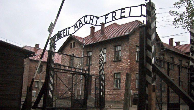 De ingang van Auschwitz. Beeld null
