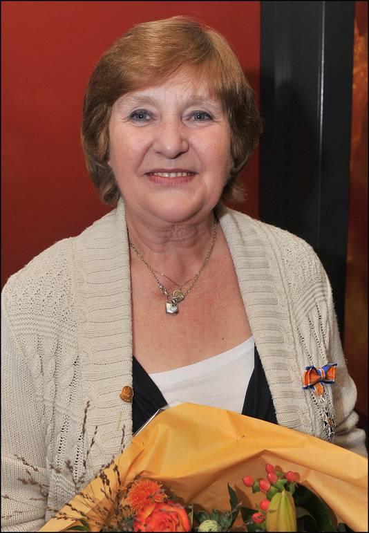 Herma Wannet met lintje in 2012.