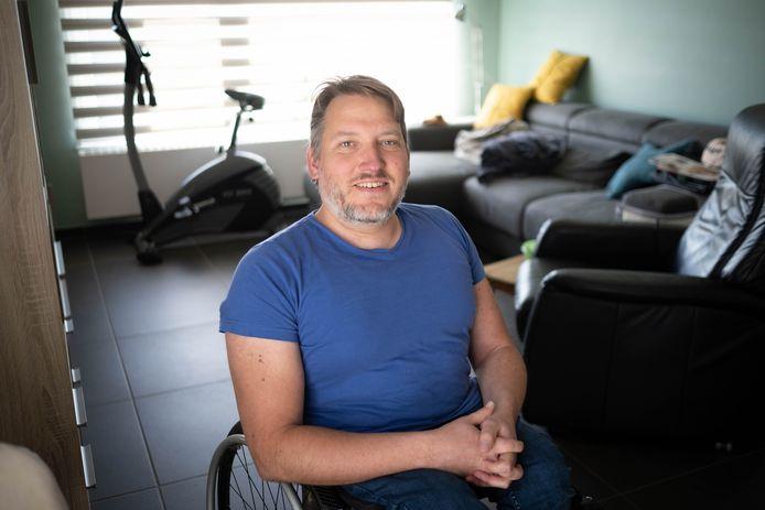 Mario Sel rijdt van Maasmechelen naar Blankenberge met rolstoel.