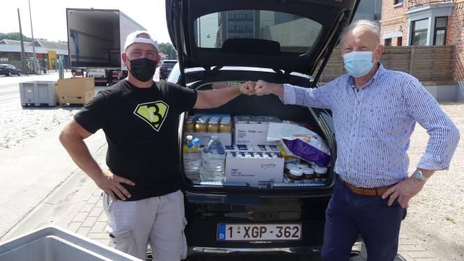 """Deinse vrijwilligers vullen opnieuw vrachtwagen met hulpgoederen: """"Nood aan voeding en schoonmaakproducten"""""""