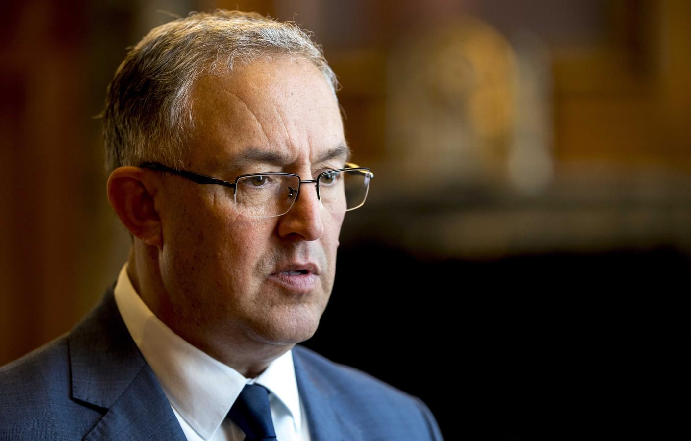 Burgemeester Aboutaleb: ,,Het is de vraag of het fenomeen coffeeshop in de toekomst nog nodig is.''