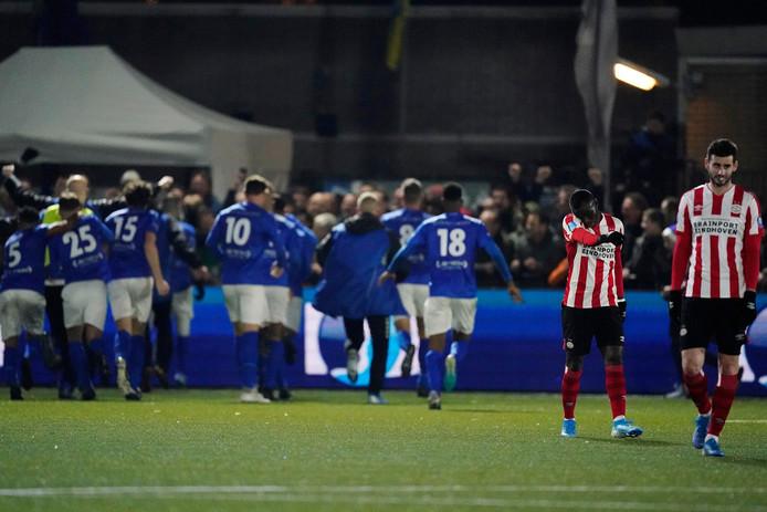 GVVV viert een doelpunt in de KNVB-bekerwedstrijd tegen PSV in december van het vorig jaar.