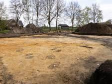 Opgravingen in Hulsel: 'Daar liep de weg en daar heeft een woning gestaan'
