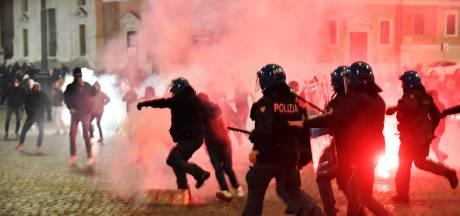 Affrontements à Rome entre manifestants d'extrême droite anti-couvre-feu et police