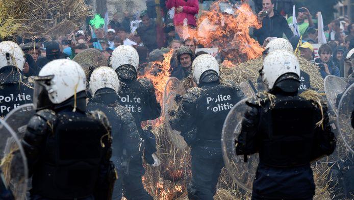 De politie kreeg het begin september hard te verduren toen honderden boeren in Brussel protesteerden.