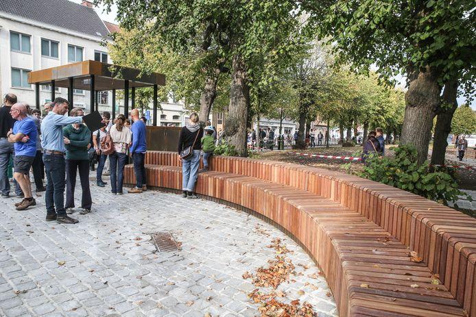Het bushok van Drongenplein - hier tijdens de opening - krijgt vermoedelijk een groendak