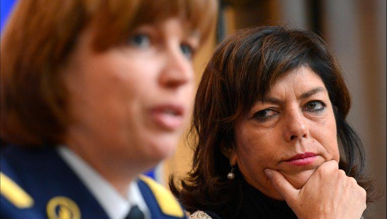 Politiechef Catherine De Bolle met Joëlle Miquet, Minister van Binnenlandse Zaken. Beeld PHOTO_NEWS