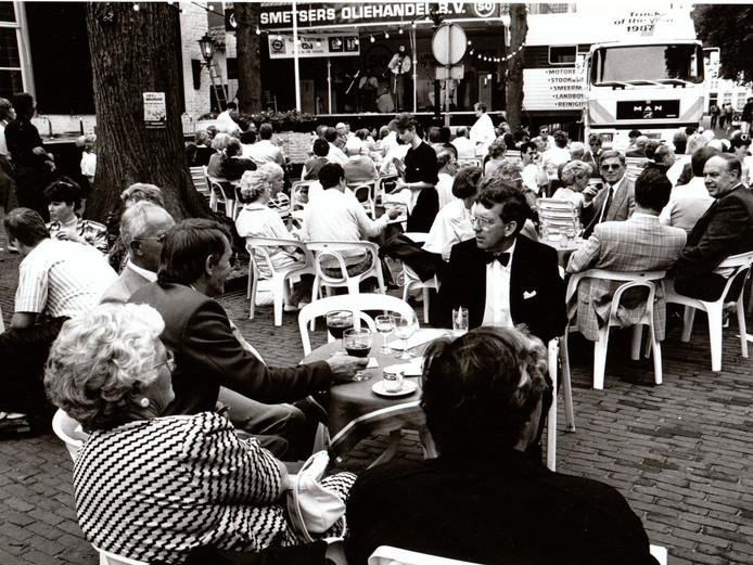 Jazz op de Markt in Oirschot. Het evenement heeft 25 jaar bestaan en is in 2007 gestopt (28 juni 1987).