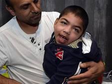 'Ouders kunnen weer naar zieke Amir toe'