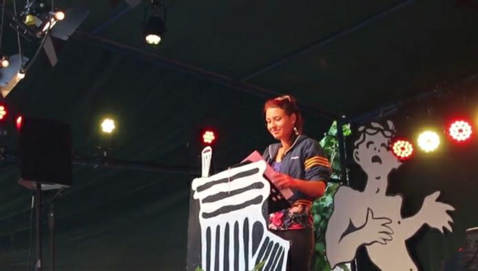 Johanneke ter Stege, voor het laatst op het podium als Deventer Dichter.