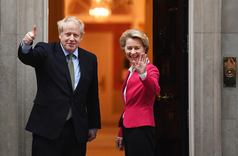 Ursula von der Leyen bij Boris Johnson op bezoek in Downing Street 10,  in januari. Beeld EPA