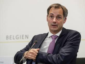 """Premier De Croo ongemeen scherp voor vaccinweigeraars: """"Keuze om mensen in gevaar te brengen kunnen we niet aanvaarden"""""""