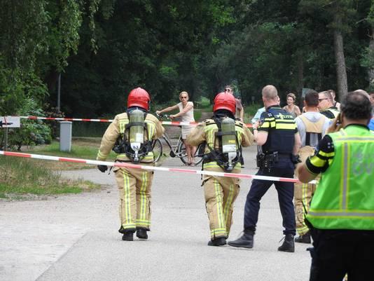 Brandweer en politie deden gisteren onderzoek bij de boerderij in Milheeze.