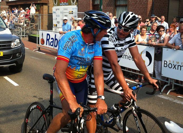 Guido Weijers (rechts) staat aan de start klaar met zijn partner Johan van der Velde. foto Willem Menting/DG
