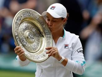 Ashleigh Barty kroont zich tot winnares van Wimbledon na zege in drie sets tegen Pliskova