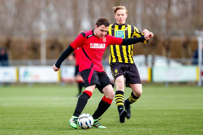 Derdeklassers als Haastrecht en Stolwijk moeten opnieuw nadenken over de vraag of zij willen overstappen naar het zaterdagvoetbal, of toch op zondag blijven nu dat weer kan.