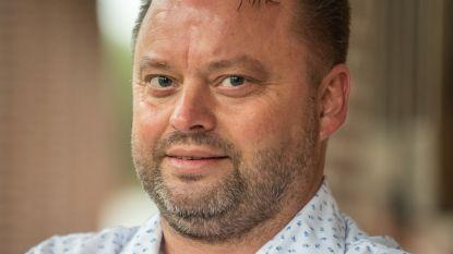 Nico De Wulf vraagt om zitpenningen gemeenteraadscommissies te halveren