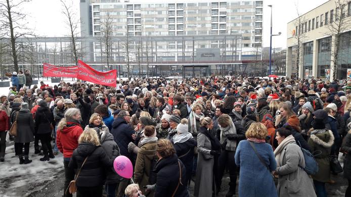 Actiebijeenkomst tijdens een eerdere lerarenstaking (december 2017) op het Koningsplein in Tilburg.