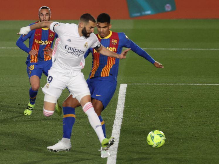 Benzema zet Real in Clásico met geweldig hakje op voorsprong