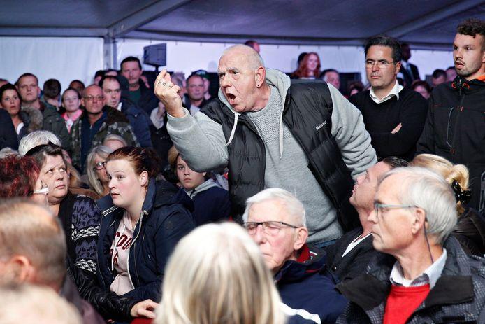 De protesten uit 2015, toen de gemeente de komst van het azc aankondigde, staan menigeen nog helder voor de geest.